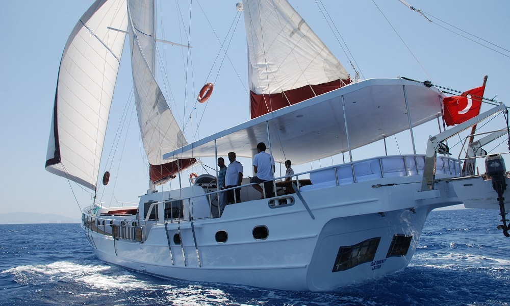 Blue Diamond bodrum rental yachts, blue cruise trips, boat trips,Light Tours Blue Cruise, Gulet Charter, Yacht Charter,Blue Diamond Motoryacht 2688