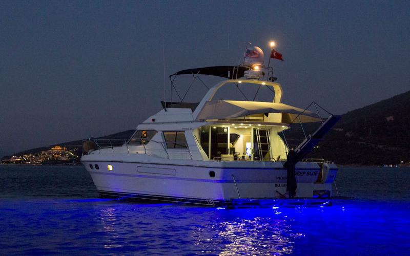 Deep Blue fethiye tekne kiralama light tours