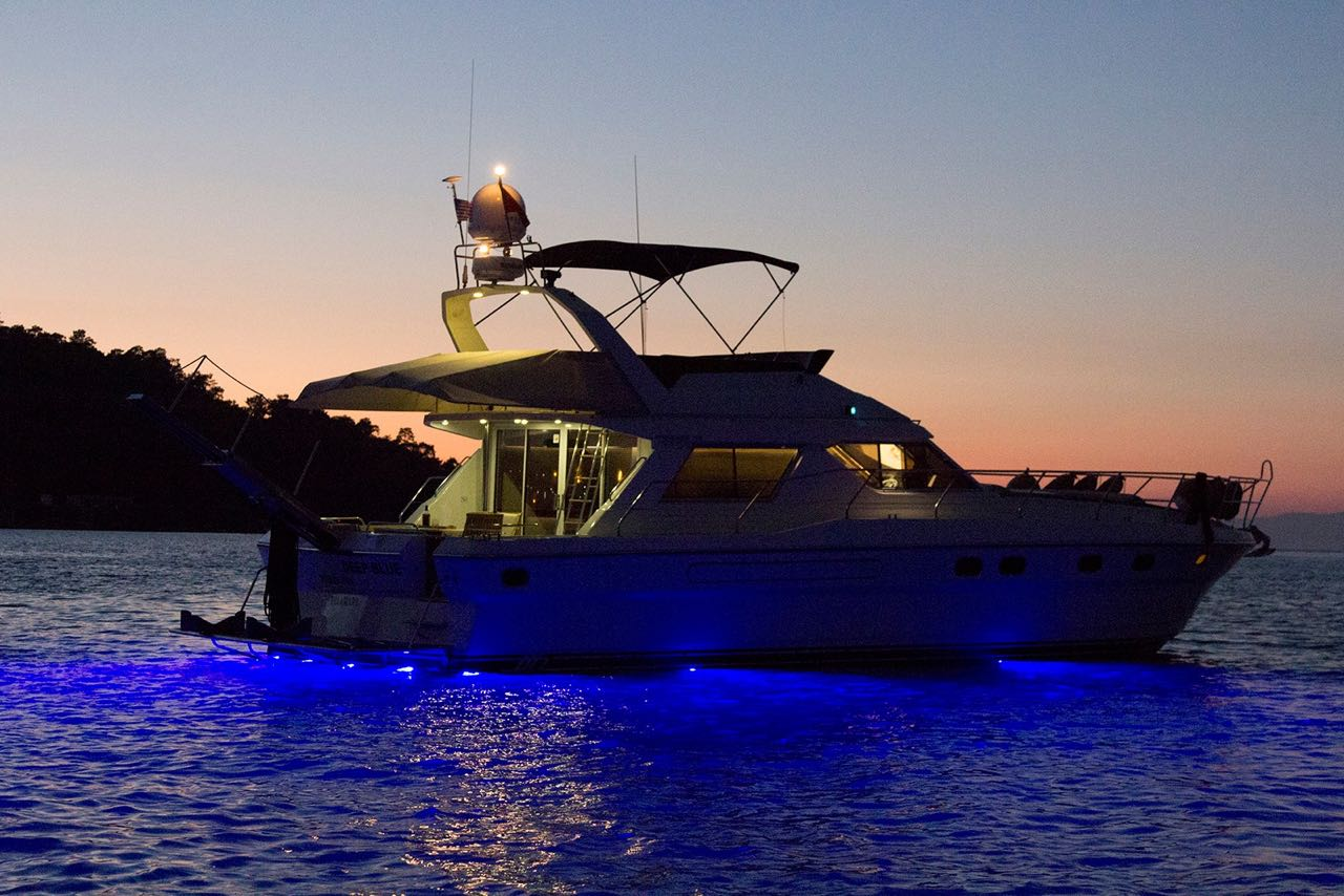 Deep Blue fethiye boat hire light tours