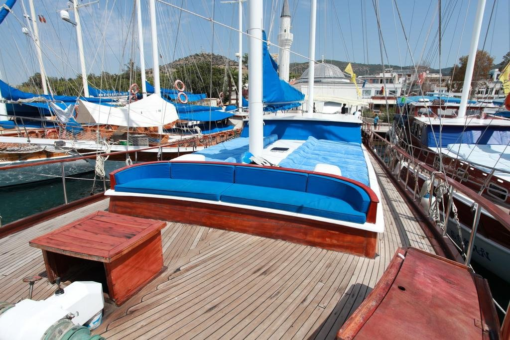 Esila bodrum gulet charter blue cruise light tours yachts