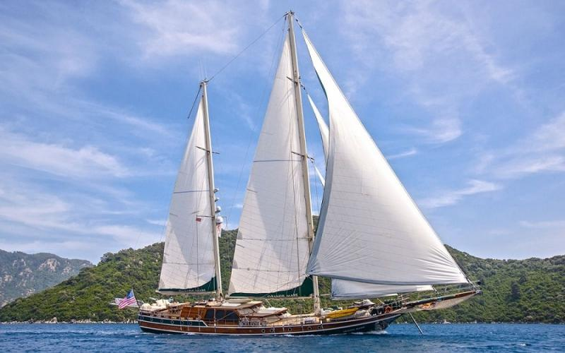 Grande Mare light tours yachts blue tour