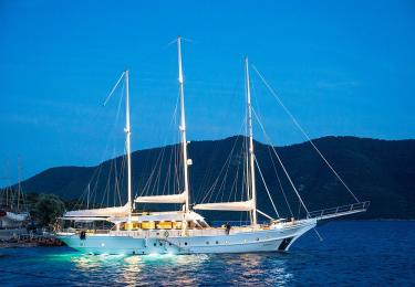 Bella Mare gulet marmaris light tours yachts